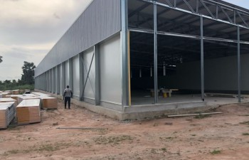 hatchery building build-up